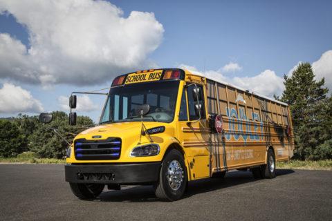 Daimler Trucks-Tochter liefert 50 voll-elektrische Schulbusse für den Bundesstaat Virginia