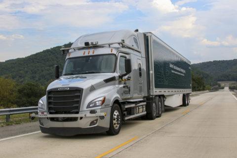 Daimler Trucks und Torc Robotics weiten Erprobung automatisierter Lkw auf US-Highways aus