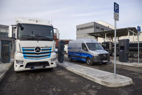 Daimler eröffnet neuen Ladepark für elektrische Nutzfahrzeuge am Standort Untertürkheim