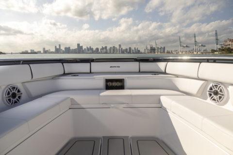 Miami International Boat Show: Weltpremiere des Highperformance-Boot 59' Tirranna AMG Edition und Mercedes-AMG G 63 Cigarette Edition