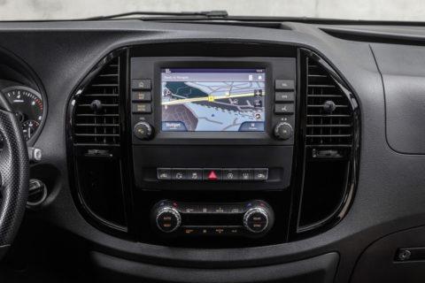 Update für das kompakte Freizeitmobil mit Stern: Der neue Mercedes-Benz Marco Polo ACTIVITY Foto: Das neue Infotainmentsystem Audio 40, 7-Zoll-Touchscreen