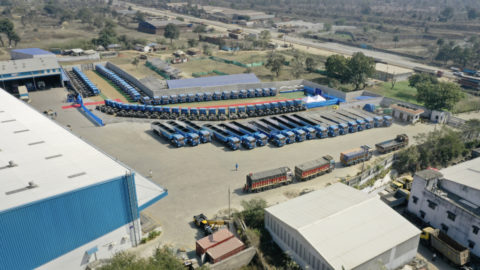 Großauftrag für Daimler Trucks in Indien: 120 BharatBenz Lkw für CJ Darcl Logistics