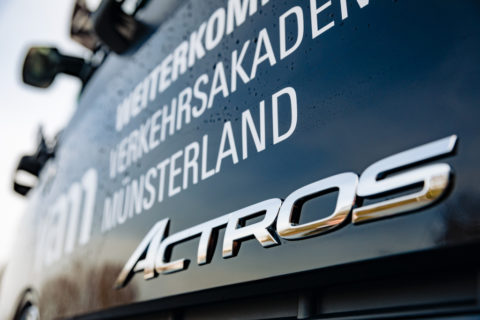 Für den besten Fahrernachwuchs: Der neue Mercedes-Benz Actros als Fahrschulfahrzeug im Einsatz bei der Verkehrsakademie Münsterland