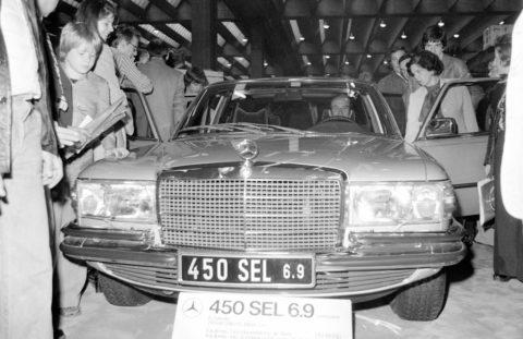 Vor 45 Jahren: Der Mercedes-Benz 450 SEL 6.9 feiert seine Premiere Foto: Sensation auf der IAA 1975