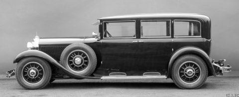 """Rollende Pracht: Der Repräsentationswagen Typ """"Großer Mercedes""""Foto: Pullman-Limousine aus dem Jahr 1931 mit Stoßschutz an der Rahmenverkleidung unter den Türen, ohne Kofferraum"""