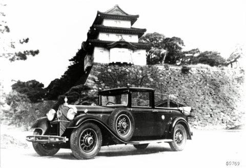 """Rollende Pracht: Der Repräsentationswagen Typ """"Großer Mercedes""""Foto: Pullman-Landaulet aus dem Fuhrpark des japanischen Kaisers auf dem Gelände des Kaiserpalasts"""