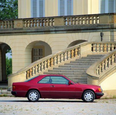 Sportlich-elegante Zweitürer mit großem Flair - Die Mercedes-Benz E-Klasse Coupés und Cabriolets Foto: Coupé der Baureihe 124