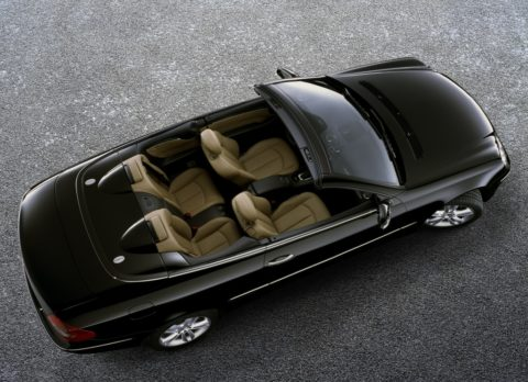 Sportlich-elegante Zweitürer mit großem Flair - Die Mercedes-Benz E-Klasse Coupés und Cabriolets Foto: CLK der Baureihe 209 als Cabriolet
